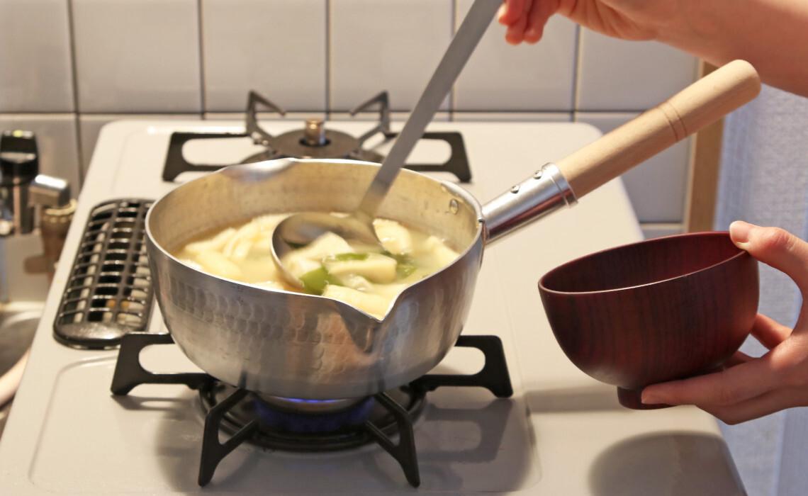 毎日の料理の相棒、雪平鍋