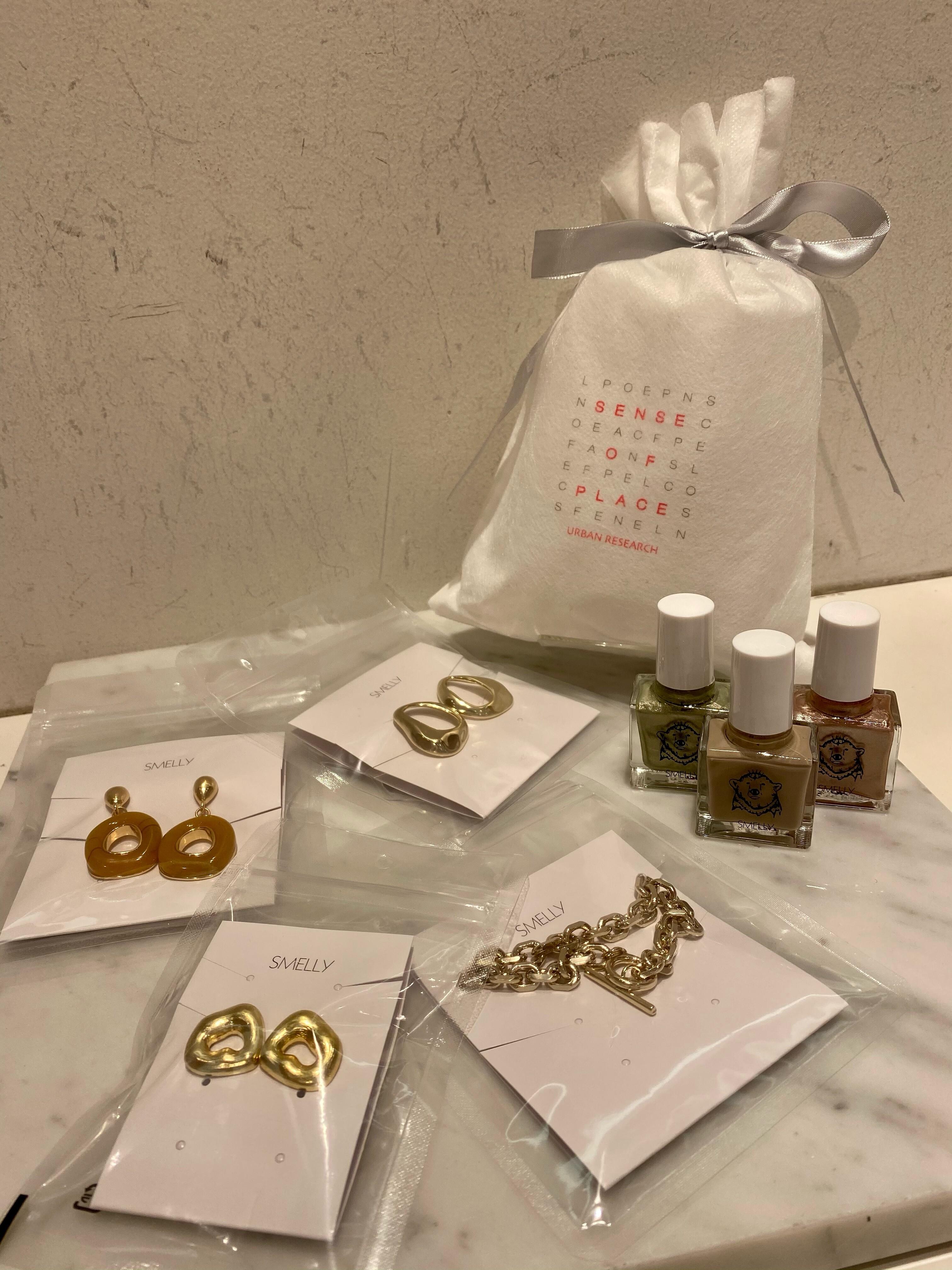 クリスマスギフトにぴったりな商品をご紹介します!!