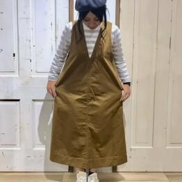 veins サロペットスカート