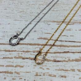 Horse shoe necklace 🐎*+。