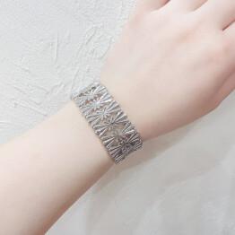 wide metal bracelet 𓈒◌